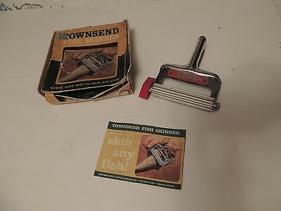 Vintage Pre-Owned Townsend Metal Fish Skinner w Box & Instructions VGUC