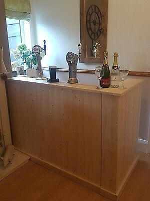 Bespoke Indoor/outdoor wooden bar Pub Man-cave Summer house garden parties..