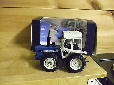 DBP 1174 County Tractor Britain Scale 1/32