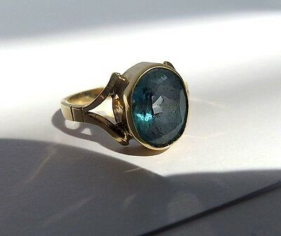 Beautiful 9K Yellow Gold & Large Aquamarine Stone Ring - Size L 1/2