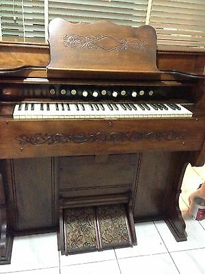 Antique Pedal Organ -Estey Organ Co. Brattleboro UT. USA