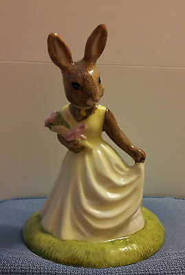 """ROYAL DOULTON BUNNYKINS """"With Love"""" DB269  2002 in MINT CONDITION!!!"""