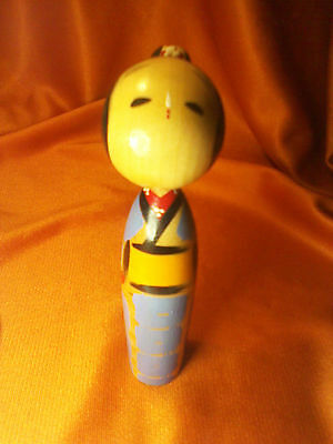 VINTAGE ORANGE/BLUE KIMONO LADY HANDPAINTED KOKESHI WOOD DOLL 4  in. X 1 in.