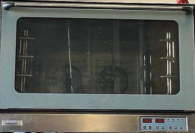 Commercial electric convection oven with Steam