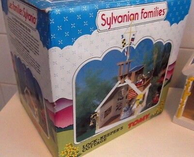 Rare Sylvanian Families Boxed Complete Vintage Tomy Lock Keepers Cottage