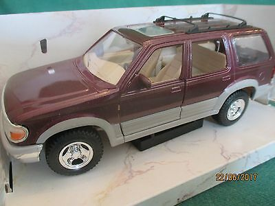 "Maisto Diecast ^ '1992 Ford Explorer"" Special Edition' Scale 1:24 (Boxed)"