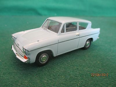Vanguards Diecast ^ '1960 Ford Anglia' Scale 1:43 (Boxed)