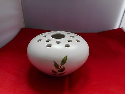 HANDPAINTED RADFORD POTTERY POT POURRI HOLDER-13cms diameter and 6.5cms high