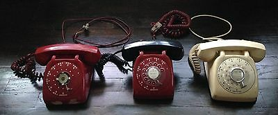 antique rotary telephones