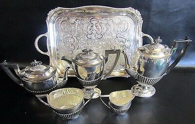 Stunning Vintage Walker & Hall Silver Plated 5 Piece Tea Set & A Viners Tray