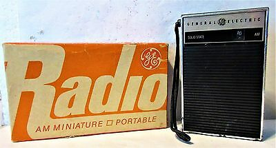 Vintage GE General Electric P-2790 Transistor AM Radio, works; with box