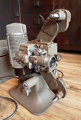 Bell & Howell - Gaumont 602 movie film projector