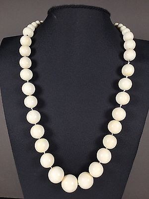 Art Deco Beinarbeiten necklace collier billiard balls Beinkette 鏈礦工台球 um 1920