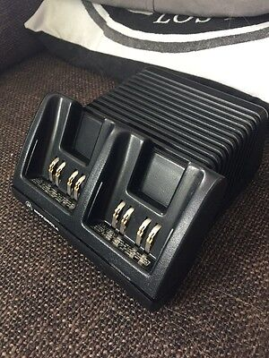 Motorola Visar Radio Twin Charger Tested