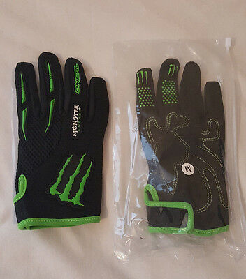 Brand new full finger cycling gloves black size (M) 4 pairs