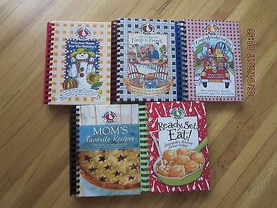 LOT Of 5  Gooseberry Patch Cookbooks