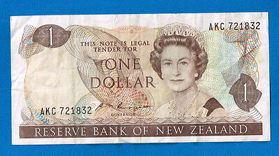 New Zealand 1985 $1 Dollar PAPER Banknote Signature  Russell Serial #AKC721832