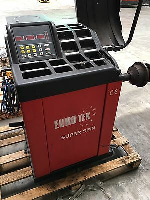 Used Eurotek Wheel balancer Car Tyre Equipment