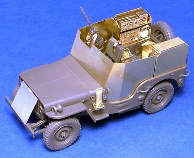 Armour and SCR-193 radio set for U.S. WWII jeep, 1/35 scale
