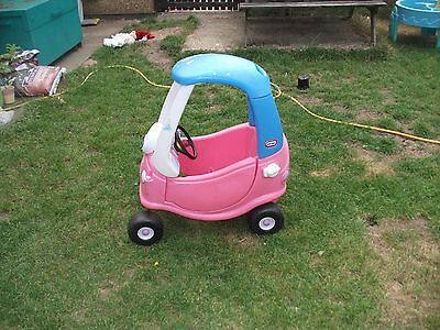 Little-Tikes-Pink-Cosy-Coupe-girls-car-