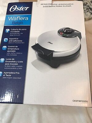 Oster Belgian Waffle Maker CKSTWF2000 Excellent Condition