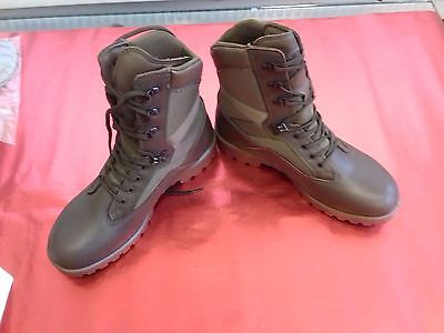 Boots --- British Military Issue Yds  Kestrel Patrol Boots Mens Size 11M     (