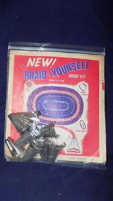 BRAID IT YOURSELF  Hobby Kit dated 1967 includes Metal Cones & Instructions-RUGS
