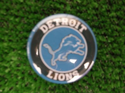 DETROIT LIONS BADGE or FRIDGE MAGNET