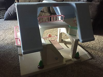 Vintage LITTLE TIKES Two Story Dollhouse Size Toy Blue Roof with Lamp Pink Rails