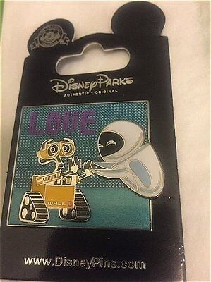 New Card Disney pin Robots Wall-E and Eve 'Love' Rel 2014