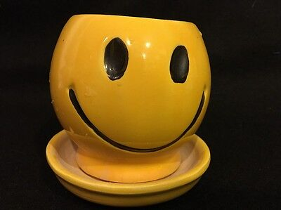 Vintage McCoy Yellow Smiley Face Flower Power Happy Hippie Pot Planter 0386 USA