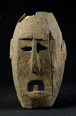Old selfstanding Atoni mask -  West Timor - Tribal artifact