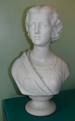 Beautiful large Copeland parian bust of young Queen Victoria