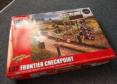 Airfix A06383 WWII Frontier Checkpoint - Battlefied Building 1:32 Scale Kit