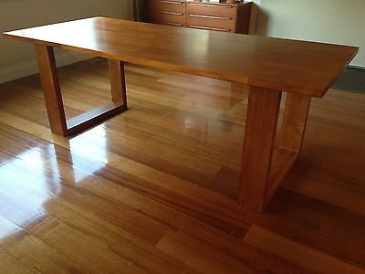 **BRAND NEW** SOLID TIMBER DINING TABLE, HANDMADE MELB * Clearance
