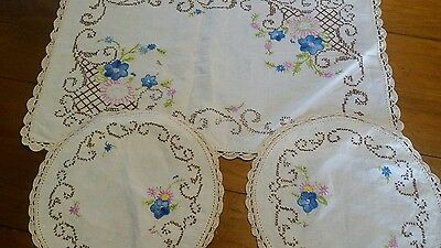 Embroidered Crocheted Linen Dressing Table Duchess Set