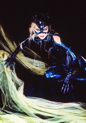 Michelle Pfeiffer -  Catwoman - Original Gallery Slide #22