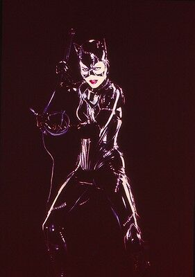 Michelle Pfeiffer -  Catwoman - Original Gallery Slide #23