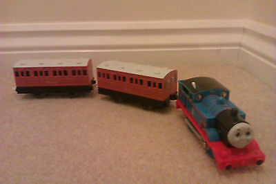 Trackmaster Thomas Motorised Engine with Annie and Clarabel