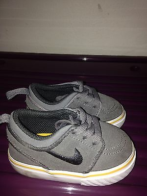 toddler nike shoes size 18.5