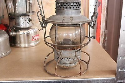 VTG CNR Canadian National Railway Railroad Lantern W/ Clear Globe Handle Lamp