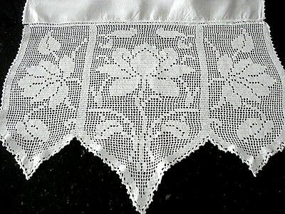 "FAB Vintage RUNNER 22"" x 77""~Lavish Figural Lace Trim(16"" each end)~White Linen"