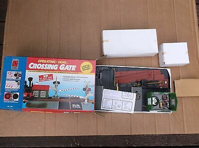 New In The Box Life-Like #1964 G,o & O27 Operating Dual Crossing Gate Excellent