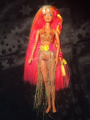 1995 Hula Hair Barbie Doll In Original Outfit
