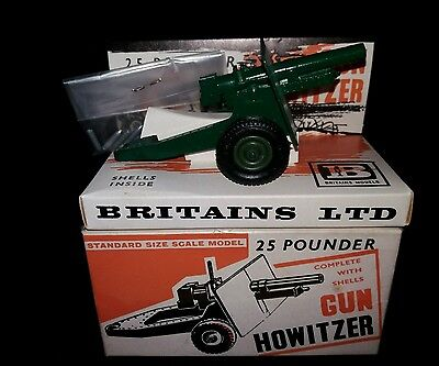 BRITAINS 25 POUNDER GUN, HOWITZER WITH BOX AND SHELLS No 9705