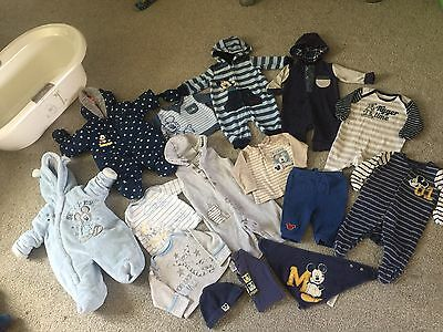 Baby Boys 0-3 Months ** Disney ** Mickey Mouse Clothes And Bath Bundle.