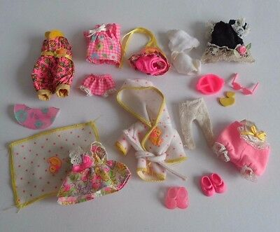Barbie Sister Shelly Lot Of Dolls Clothing 1990's