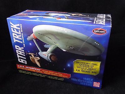 Polar Lights 1:1000 Star Trek TOS Enterprise Plastic Model Kit
