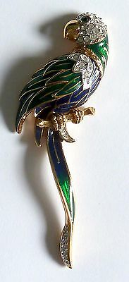 A VINTAGE 1980s ATTWOOD & SAWYER PARROT BROOCH WITH WHITE DIAMANTES & ENAMEL