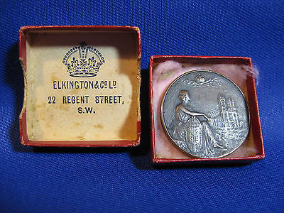 Antique Medallion Edward Vll Queen Alexandra 1901 With Box